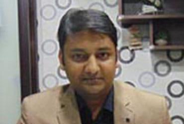 Dr. Divakar Garg